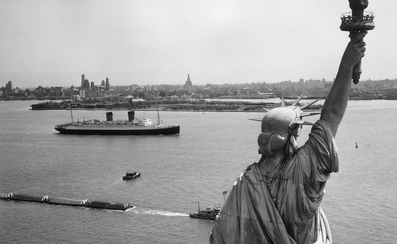 Statue of Liberty_Boats