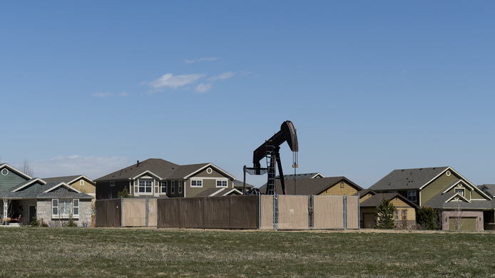 GettyImages-468381302 - colorado oil well pad.jpg