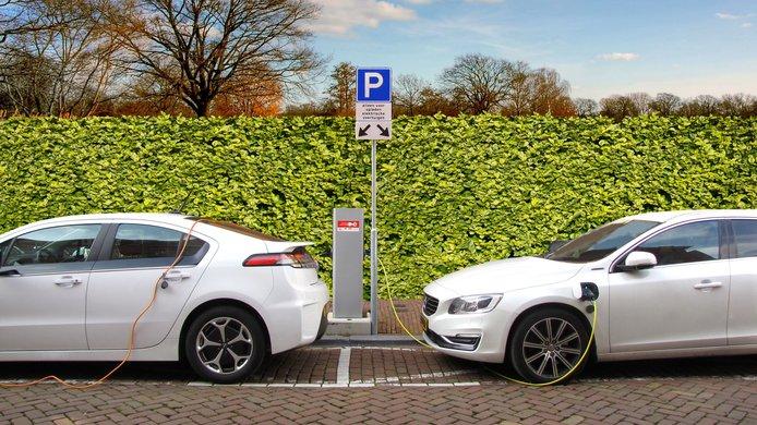 electric-car-2783573.jpg