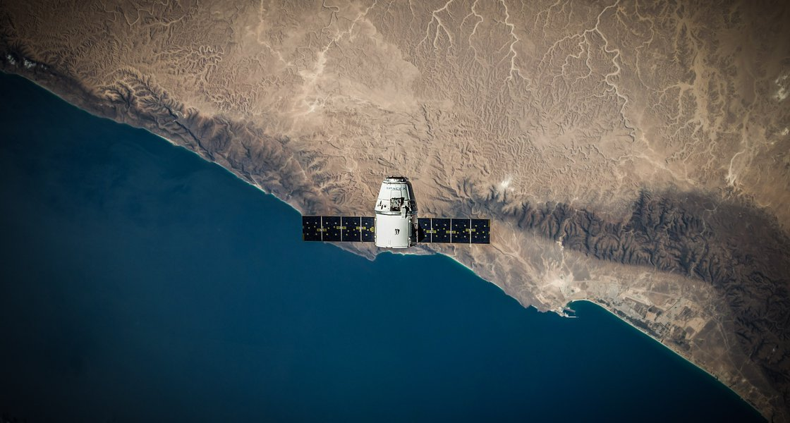 spacex-VBNb52J8Trk-unsplash.jpg